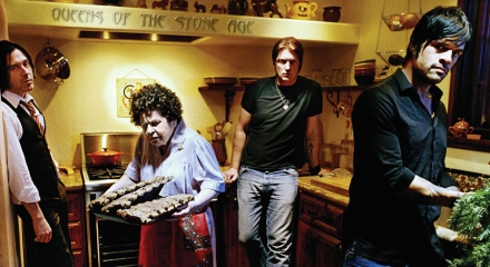 Queens_of_the_stone_age_440x240px